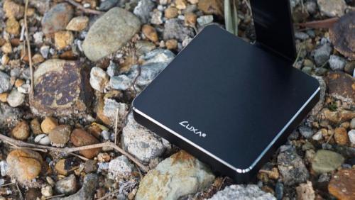 LUXA2-E-One-Headset-Holder-2.jpg