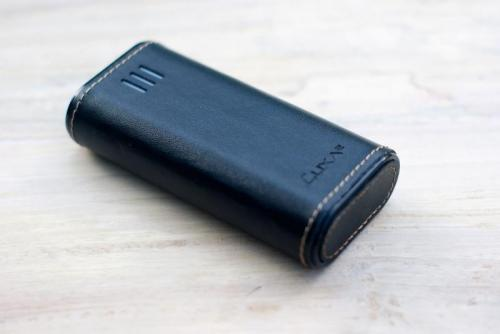 LUXA2-PL2-Leather-Power-Bank-4.jpg