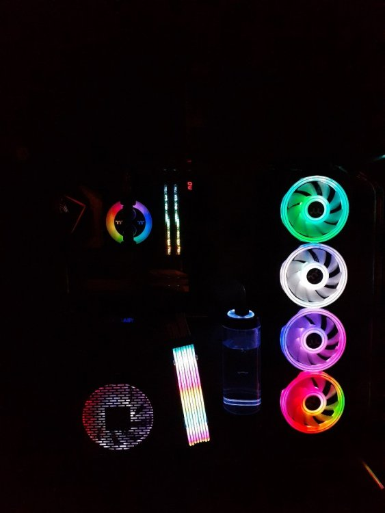 1303367262_RGBlightswithWBpumprr333.thumb.jpg.a6c3f62b5bde738e65d4f836ff1207c6.jpg